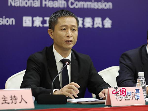 海南省三亚市政府副市长何世刚回答记者提问.jpg