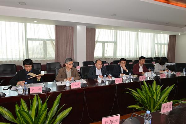wf54in998us黄熙_陈义平副主任到省疾控中心开展食品安全工作调研3.JPG