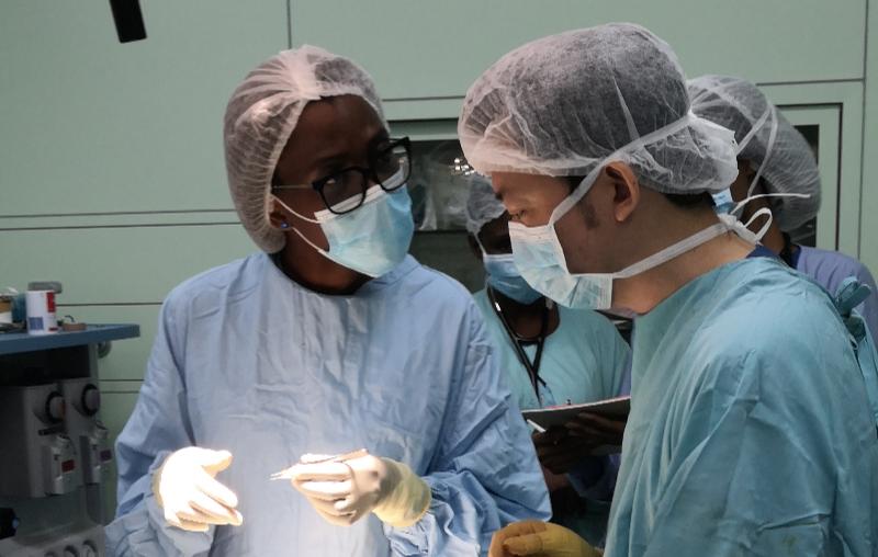 中国援多米尼克医疗队成功开展当地首例眼内容剜除联合义眼座植入手术